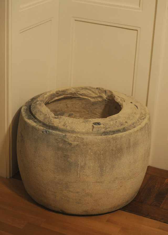 Stone vessel for olive oil