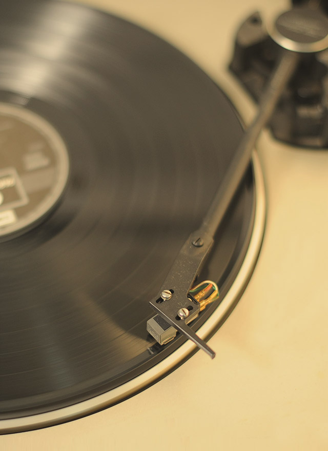 Turntable and vinyl records