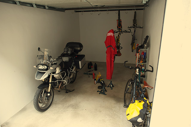 Garage for motorcycles and bicycles
